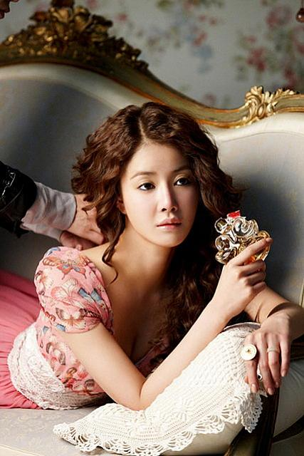 Innocent Korean actress Lee Si Young picture (87).jpg